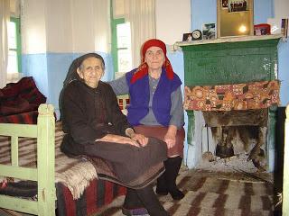 παλιά γιαγιά σύριγγεςλεσβιακό σεξ στην τοποθέτηση δωμάτιο