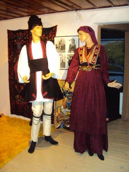 Βλάχικες φορεσιές ανατολικού Βερμίου.