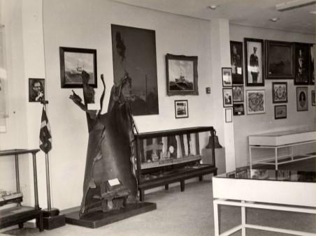 Άποψη αίθουσας του Μουσείου στο κτίριο της Μαρίνας της Ζέας.