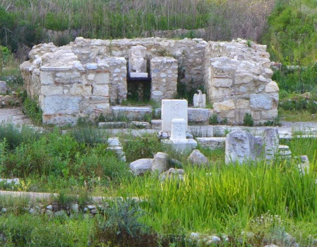 Το ιερό του Διός στον αρχαιολογικό χώρο του Δίου.