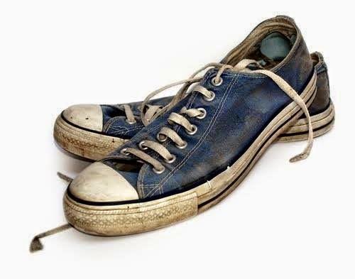 186860e9c87 Τα συγκεκριμένα αθλητικά παπούτσια ονομάστηκαν έτσι από την ΕΛ.ΒΙ.ΕΛΑ  (ΕΛληνική ΒΙομηχανία ΕΛΑστικών) που δραστηριοποιήθηκε στη χώρα μας από το  1940 έως τη ...