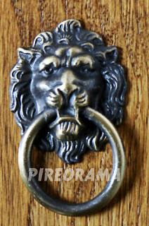 ρόπτρο λιοντάρι