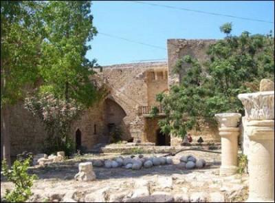 Kyrenia-Castle-400x295