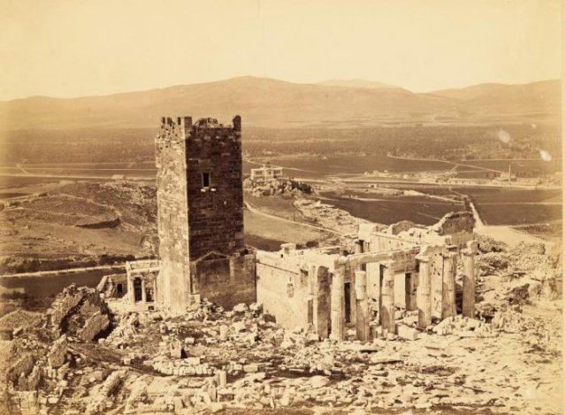 Acropolis-1854_b-700x513