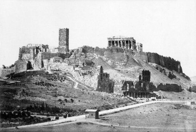 Akropolis_Athen_1872-700x472