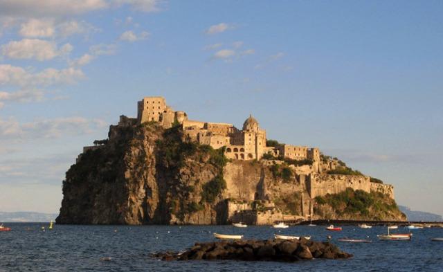 castello-ischia-01