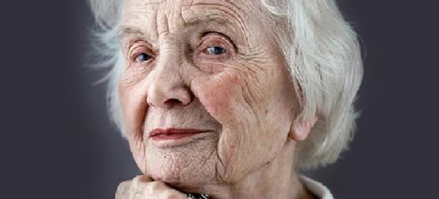 oldwoman10-660